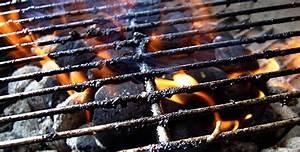 Comment Nettoyer Une Grille De Barbecue Tres Sale : nettoyer son barbecue darty vous ~ Nature-et-papiers.com Idées de Décoration