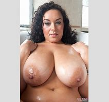 Anastasia Lux Sensual Bath For Busty Britain Curvy Erotic