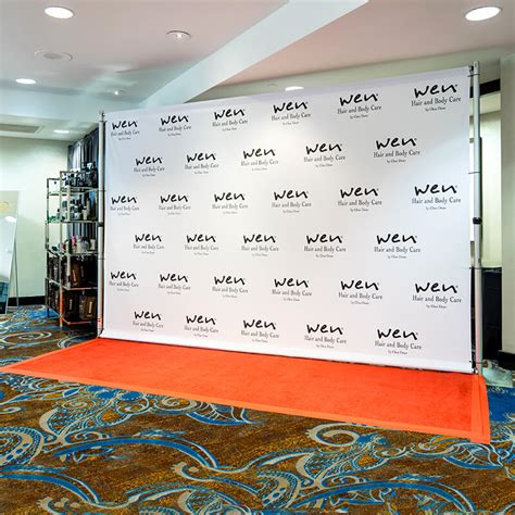 step  repeat backdrop   red carpet