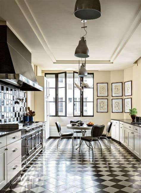 carrelage cuisine blanc et noir le carrelage damier noir et blanc en 78 photos archzine fr