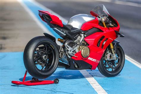 Ducati Panigale V4r ducati panigale v4r 2019 on review