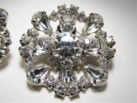 vintage kramer   york rhinestone brooch earring set