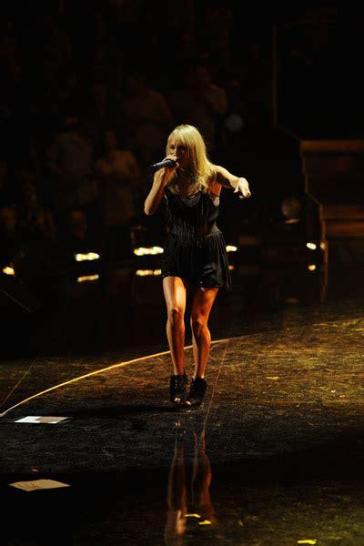 Carrie Underwood & Kelly Clarkson - iHeartRadio Concert ...