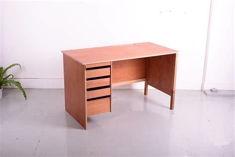 basic desk  drawer smallstudiosemi