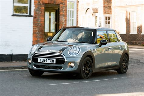 Mini Cooper 5 Door Picture by Mini Cooper D Diesel 5 Door Pictures Auto Express