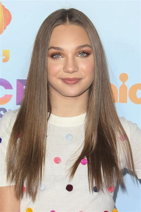 maddie ziegler straight light brown flat ironed hairstyle