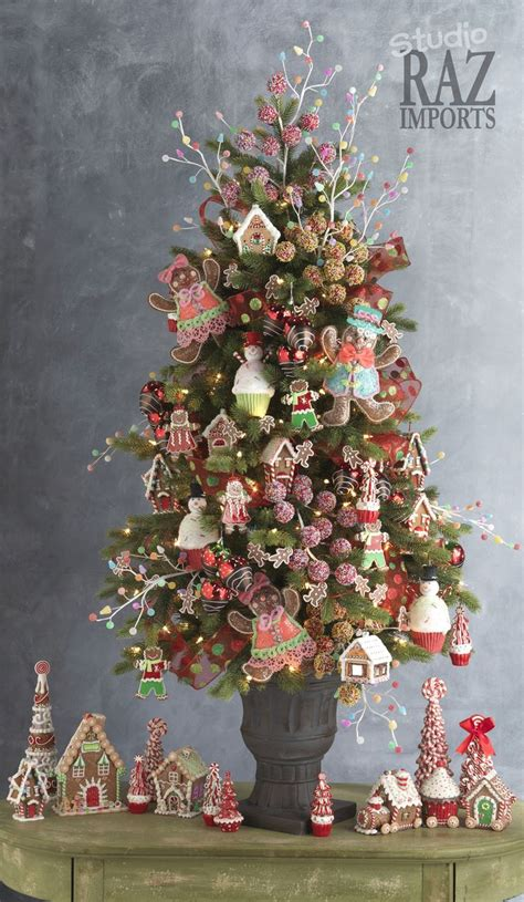 gingerbread decorated tree 1021 best trees images on