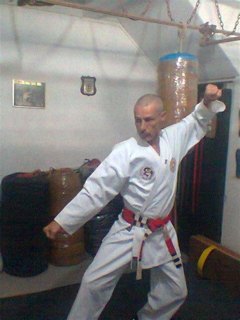Gatas Nuas Karat Do Karat Karate Meste Karat Do Maestro