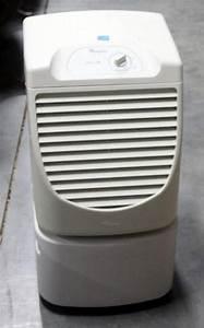 Whirlpool Energy Star 25 Pint Dehumidifier  Model Ad25bsr0