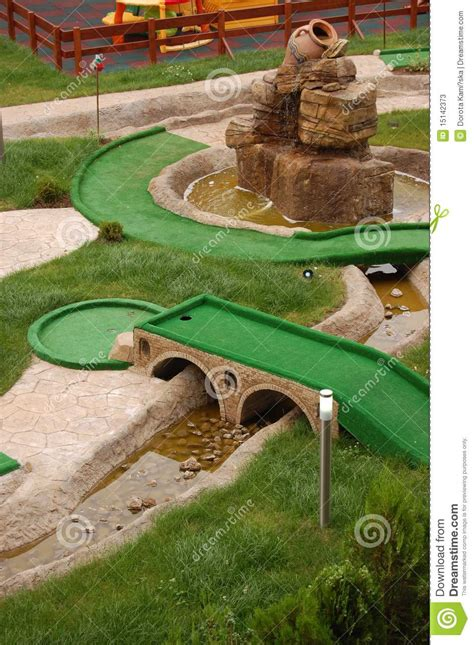 zone de mini golf photos stock image 15142373