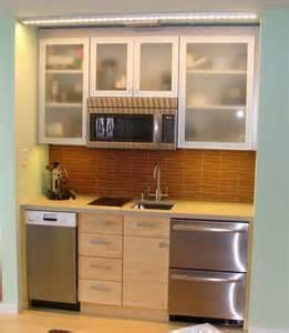 apt kitchen ideas 25 best ideas about mini kitchen on compact