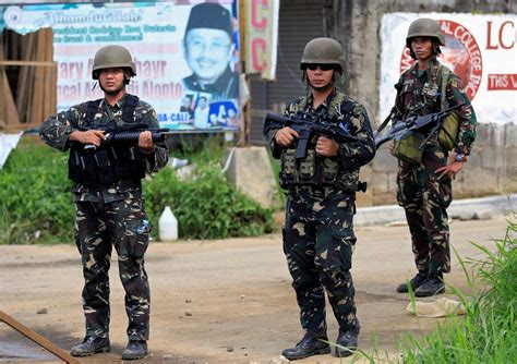 city siege 4 scores of dead bodies litter besieged marawi city in
