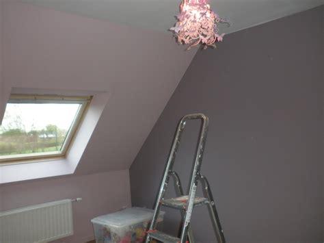 peindre un canap en cuir peindre une chambre mansardee home design nouveau et