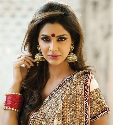 ideas  saree hairstyles  pinterest indian