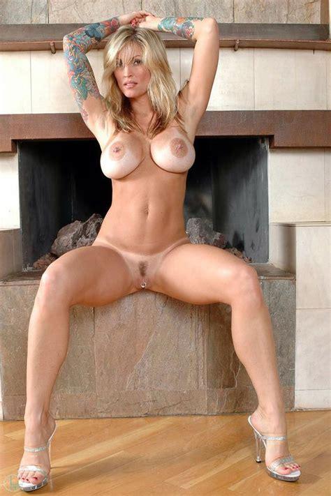 Sexy Busty Milf Babe Janine Xxx Photo