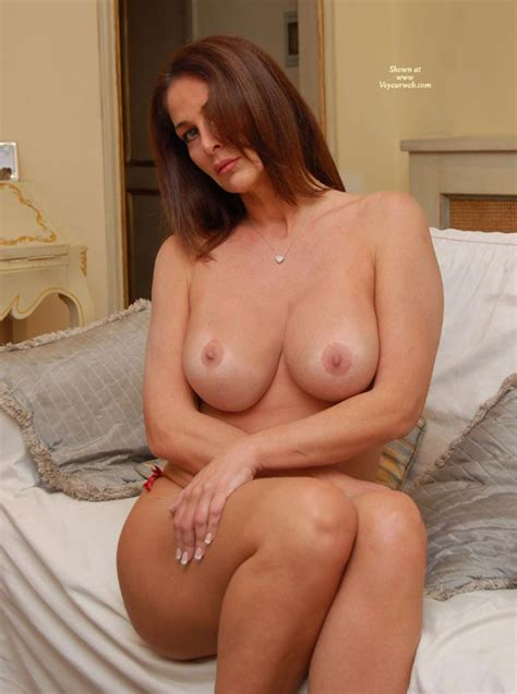 Naked Mature Women Nude On Couch Best Porno