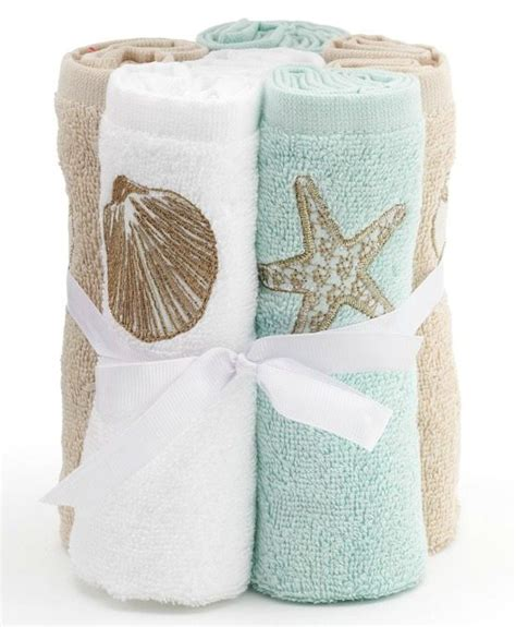 towel designs for the bathroom decorate your bathroom with these themed accessories