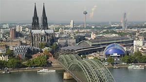 Date In Köln : ultra hd 4k video time lapse stock footage aerial cityscape hohenzollern bridge cologne ~ Orissabook.com Haus und Dekorationen