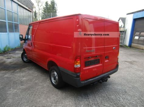 Ford Transit 2005 Box-type Delivery Van