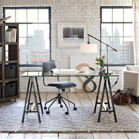 plateau de bureau en verre sur mesure le plateau de bureau en verre pour votre office à la