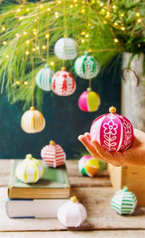 beautiful diy paper christmas ornaments   minutes