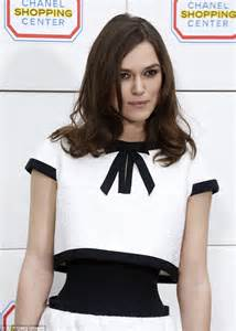 Keira Knightley Chanel : keira knightley gets waisted actress wears monochrome dress accentuating her tiny middle at ~ Medecine-chirurgie-esthetiques.com Avis de Voitures