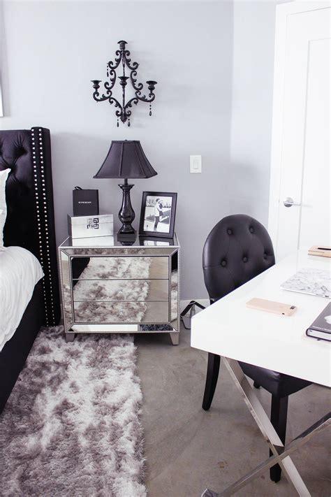 Bedroom Decor Blogs by Black White Bedroom Decor Reveal