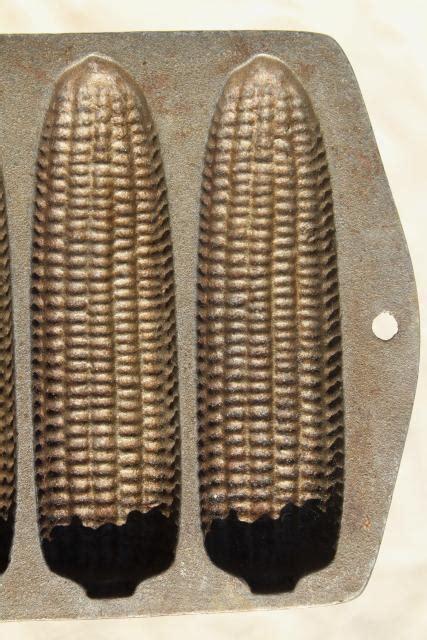 vintage cast iron cookware ears  corn cornbread pan  baking corn sticks