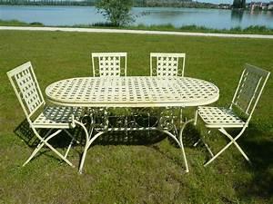 Table De Jardin En Fer : salon de jardin en fer forg tables chaises bancs ~ Dailycaller-alerts.com Idées de Décoration