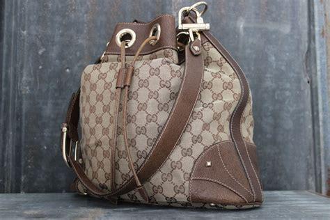 gucci beige ebony gg canvas leather large drawstring