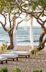15 romantic and simple beach wedding ideas home design With beach wedding ceremony ideas