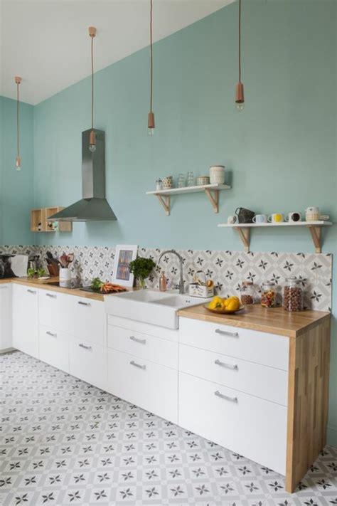 carrelage blanc cuisine comment décorer avec le carrelage ancien 62 photos pour