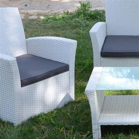 coussin pour salon de jardin en resine tressee coussin pour salon de jardin mobilier de jardin sur