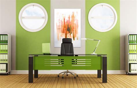 Tavā darba telpā viss it kā ir ideāli. Krāsas nav ...