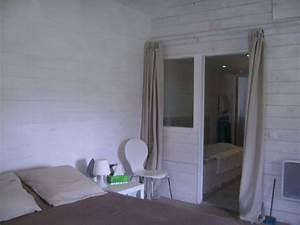 Lambris Peint En Blanc : chambre adulte photo 1 3 tout en lambris peints en ~ Dailycaller-alerts.com Idées de Décoration