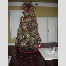 Best 25+ Mesh Christmas Tree Ideas On Pinterest