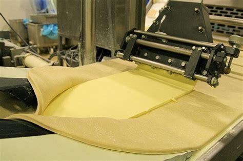 pate feuilletee machine a la machine 224 beurre la viennoiserie industrielle sur journal du net economie