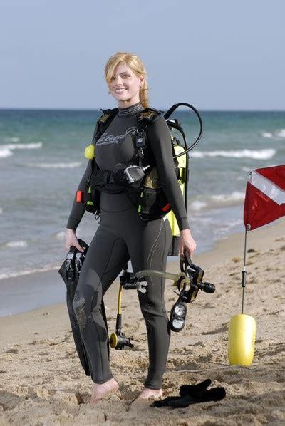exceed eccentric  ladies wetsuit