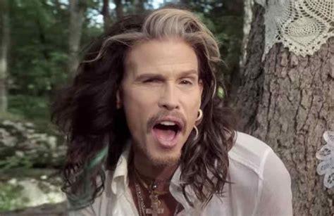 Steven Tyler Filmed Pulling Down Pants Aerosmith Show