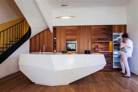 cuisine invisible 50 modern kitchen designs that use unconventional geometry