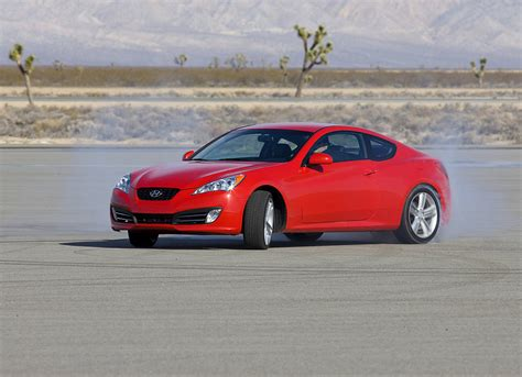 The hyundai genesis coupe's cabin welcomes refugees from the plastic armageddon known as the current ford mustang gt and dodge challenger r/t think recaros built for crossing the country instead of an autocross. Hyundai Genesis Coupe To Receive 429 HP 5.0L V8 ...