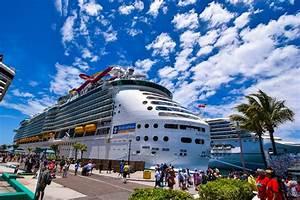 Navigator of th... Royal Caribbean