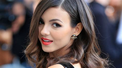 victoria justice gorgeous hd celebrities  wallpapers