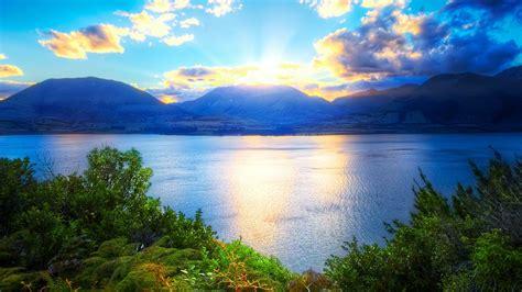 Fonds D'écran Lever Du Soleil, Montagnes, Lac, Arbres