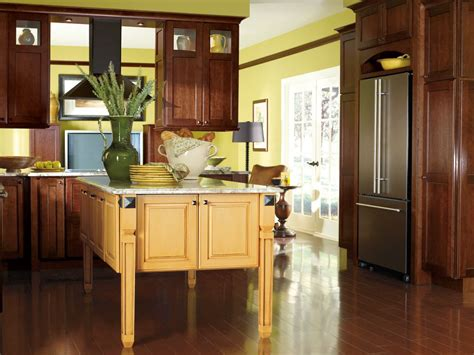 how are kitchen cabinets the golden honeycomb finish from decor 225 paired with the 7182