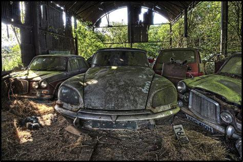 vintage decay corroding classic cars   uk urban ghosts