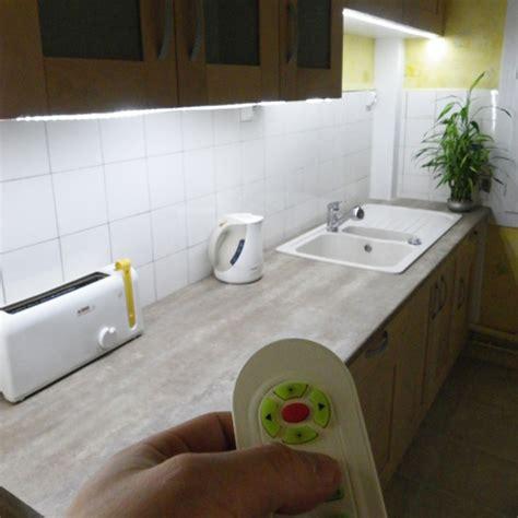 ruban led cuisine deco led eclairage idées déco pour les cuisines