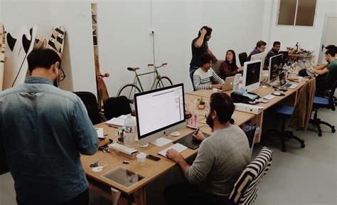 Am Ager Bureau De Travail Bureau à Partager La Nouvelle Tendance Collaborative