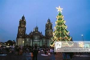 Weihnachten In Mexiko : plaza de la constituci n der z calo die kathedrale in weihnachten mexiko stadt mexiko ~ Indierocktalk.com Haus und Dekorationen