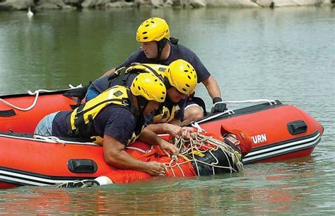 Water Rescue Boats by 14 Sport Boats Are Great For Rescue Scuba Or
